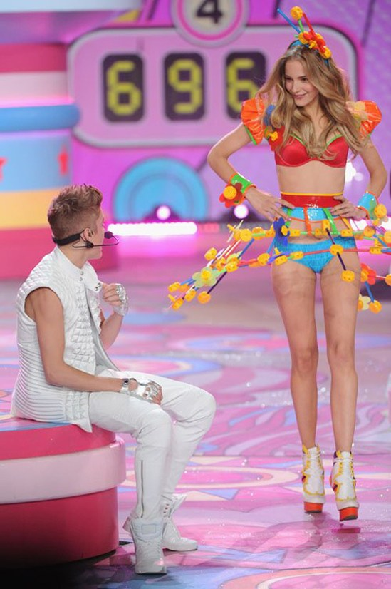 Джастин Бибер на Victoria's Secret Fashion Show 2012