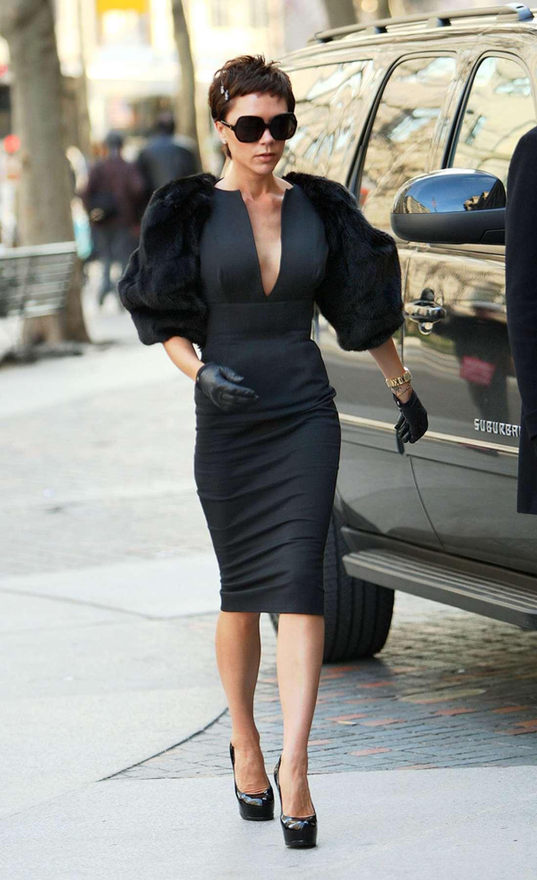 Бекхэм виктория в черном платье