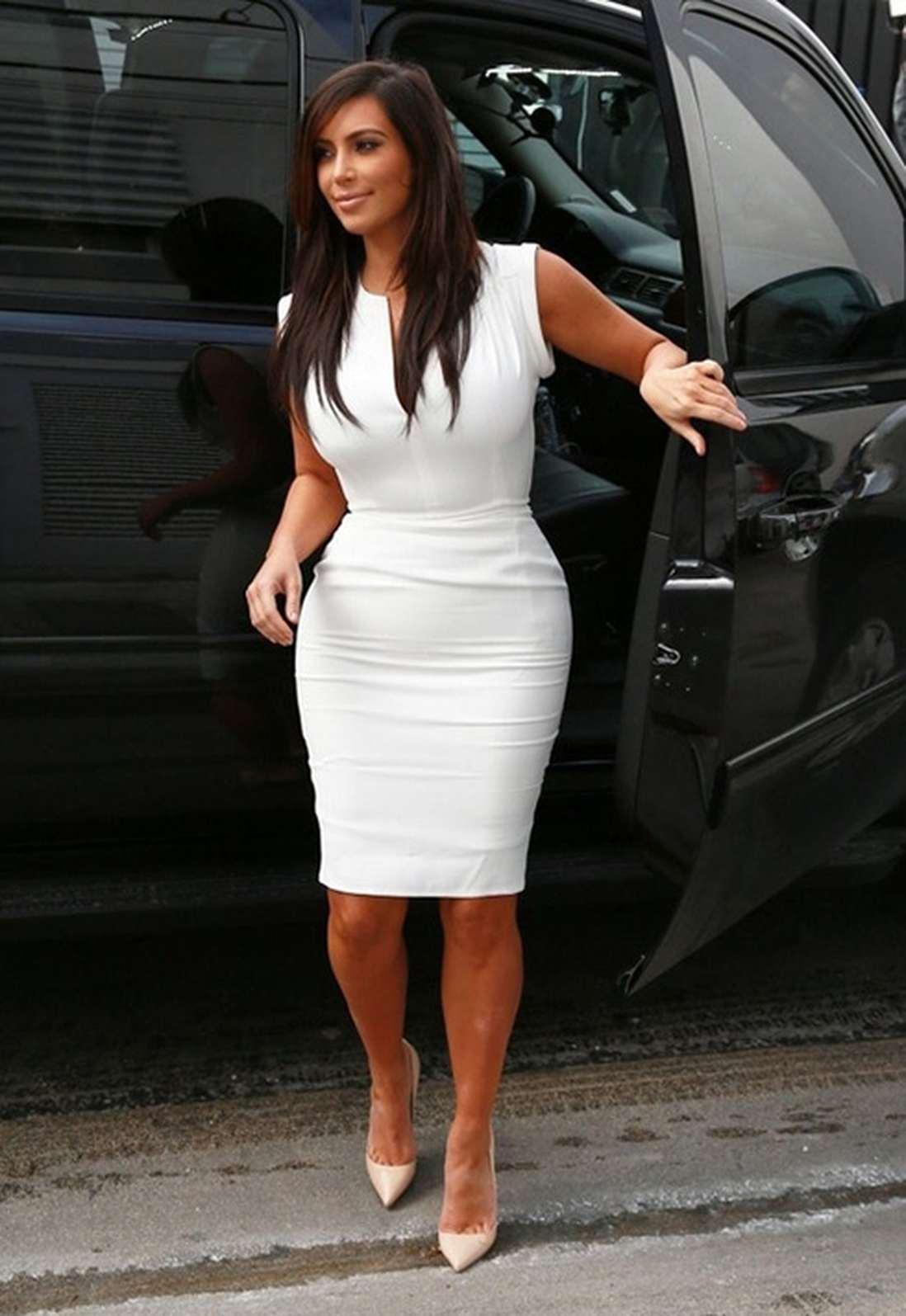 Фото ким кардашьян в платье