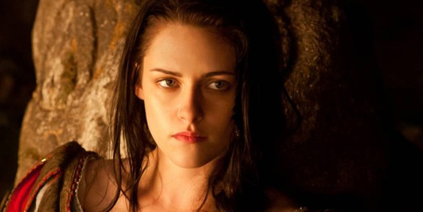 https://starnote.ru/media/c/starnote/v2/blog/posts/wide/2013/04/17/19190f01d6/Snow-White-Kristen-Stewart-wide.jpg