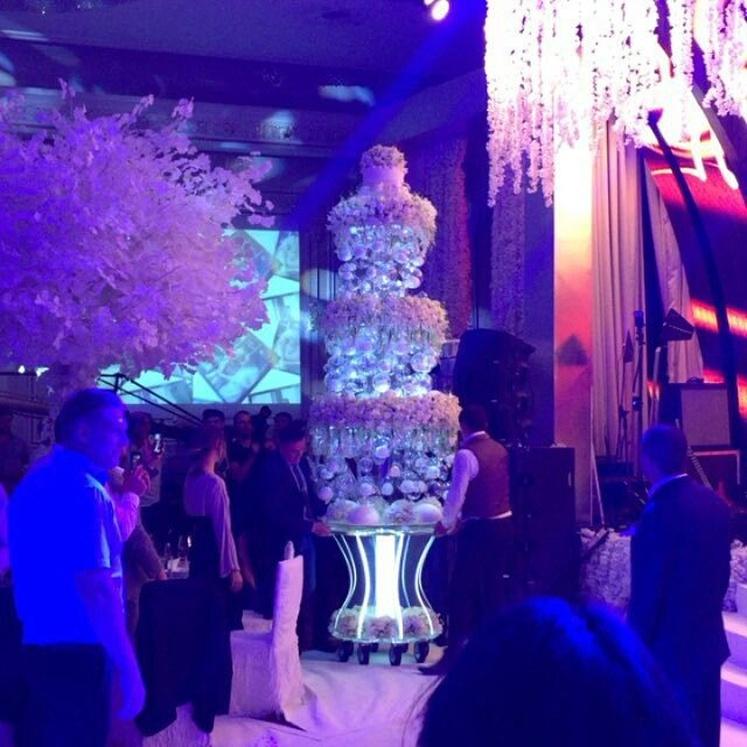 торт бородиной на свадьбе фото отмечают пользователи
