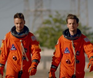 Выше звезд: «One Direction» представила клип «Drag Me Down»