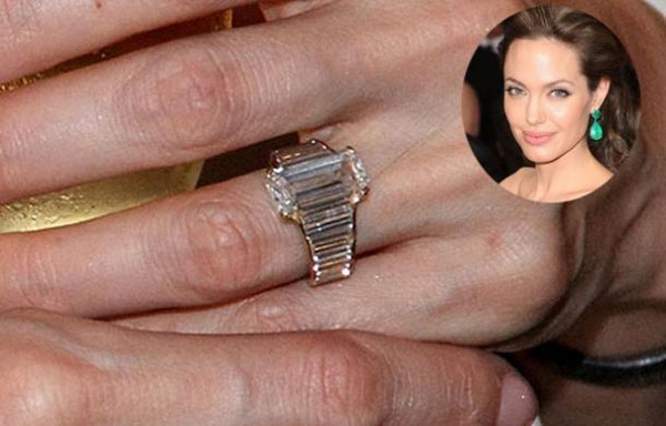 Angelina jolie engagement ring pictures
